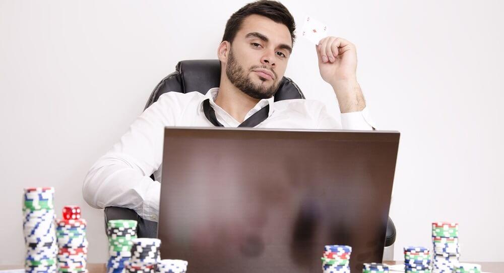Benefits of Playing Bandarq Online